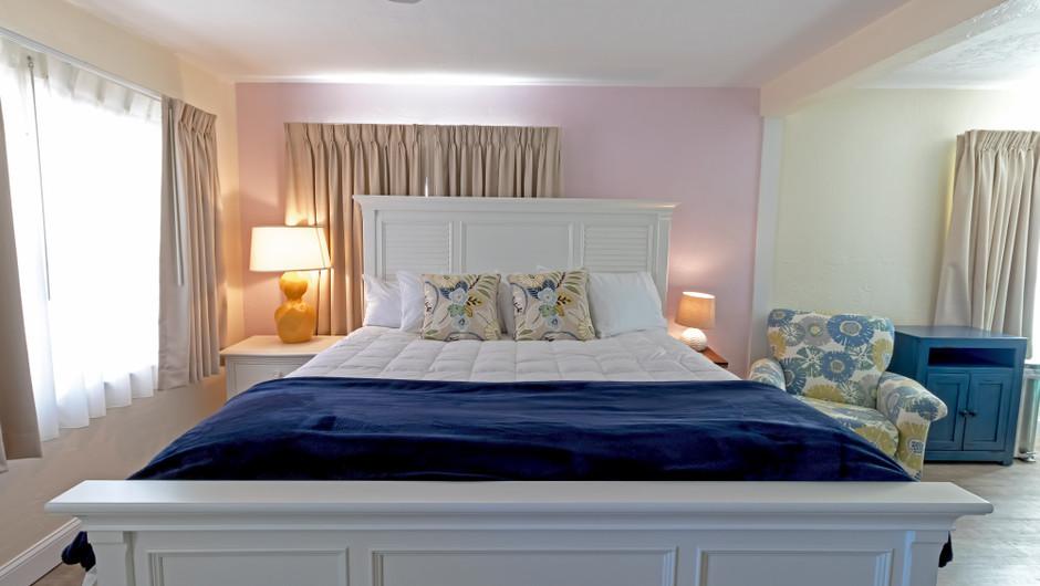 Bedroom in Seashell Suite - Sea View Inn