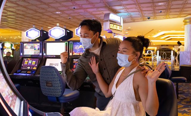Westgate Las Vegas Resort & Casino | Guests Enjoying Slots & Safety Protocol