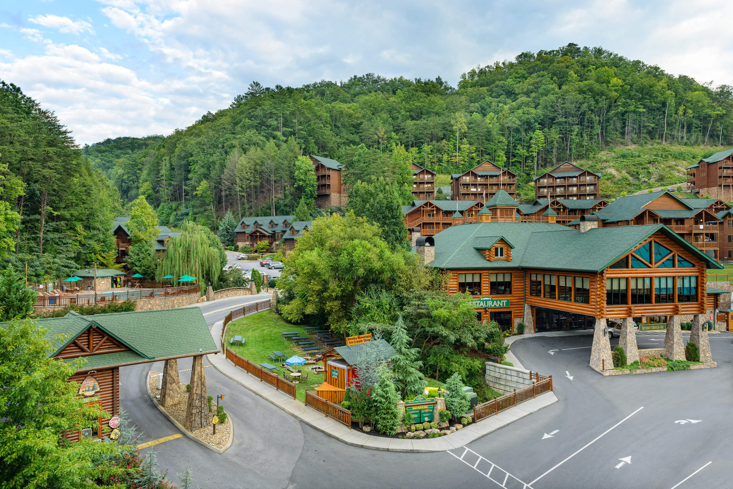 Main entrance to Smoky Mountain resort | Westgate Smoky Mountain Resort & Spa