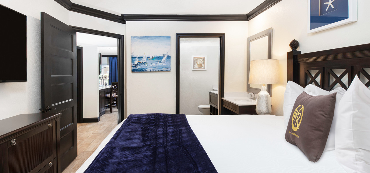 Group Hotel Room Blocks In Cocoa Beach | King Bed at Cocoa Beach