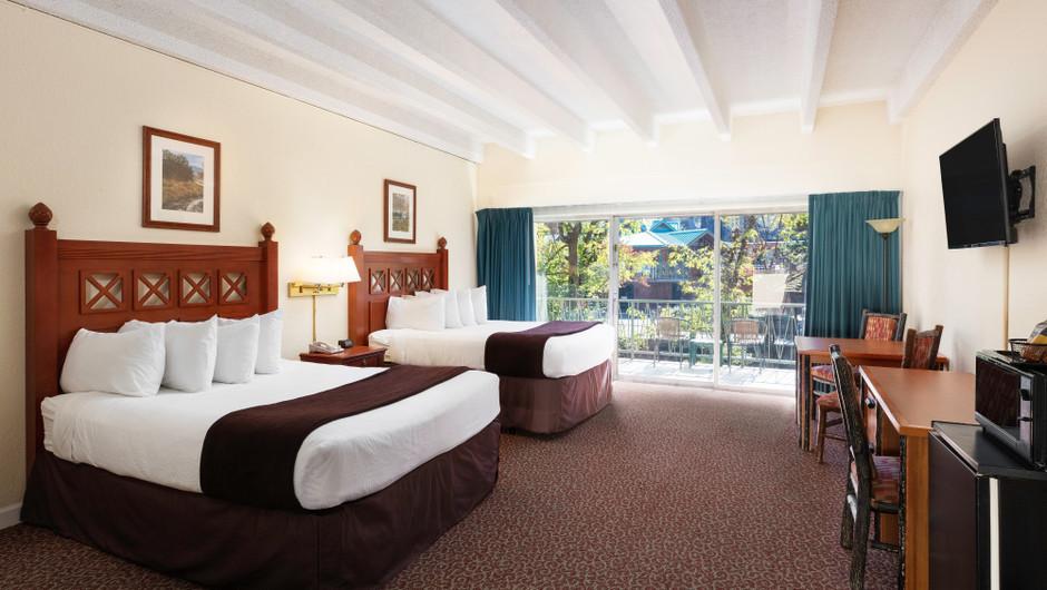 River View Queen Guestroom   River Terrace Resort