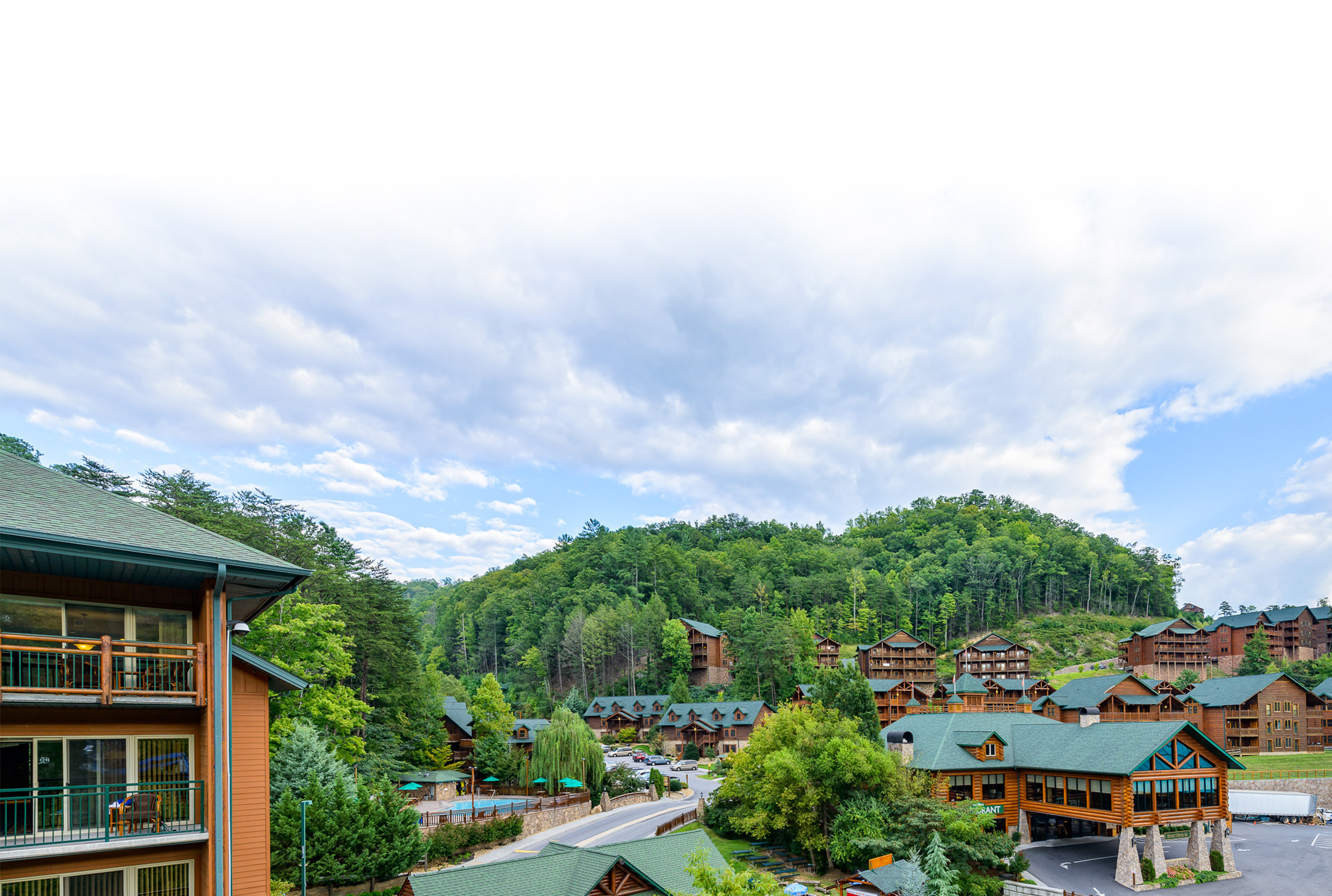 Shuttle Service to Our Gatlinburg Resort near the Smoky Mountains | Guest Amenities