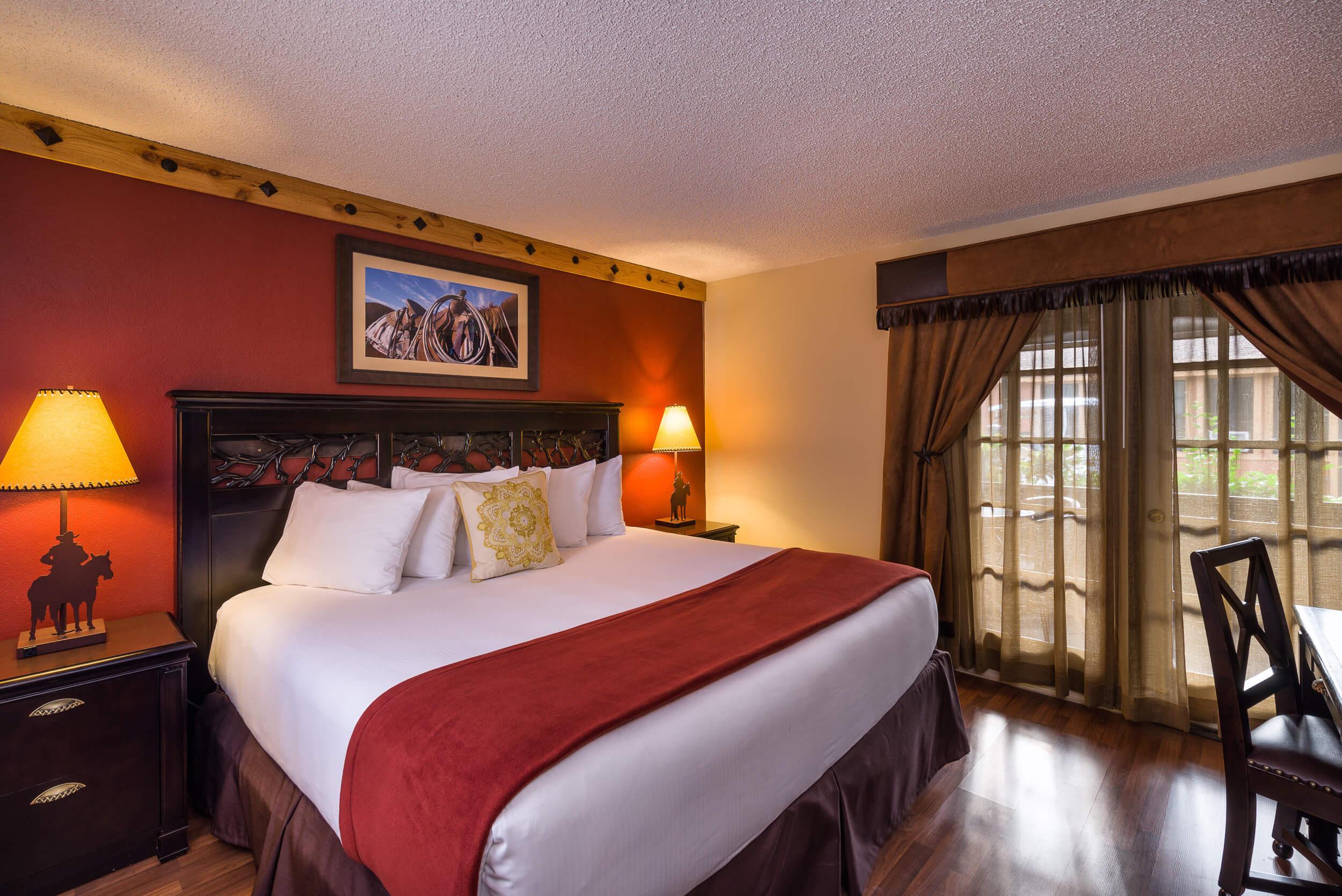 Queen Bed in Lodge Suite | Westgate River Ranch Resort & Rodeo