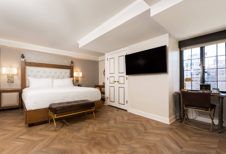 Luxe King Suite