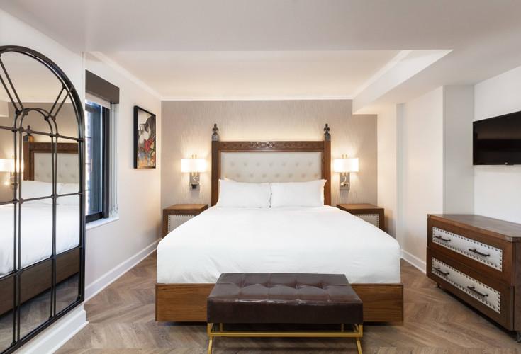 Luxe One-Bedroom King Balcony Suite