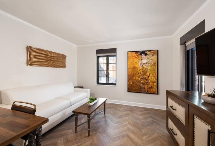 Luxe One-Bedroom Queen Suite