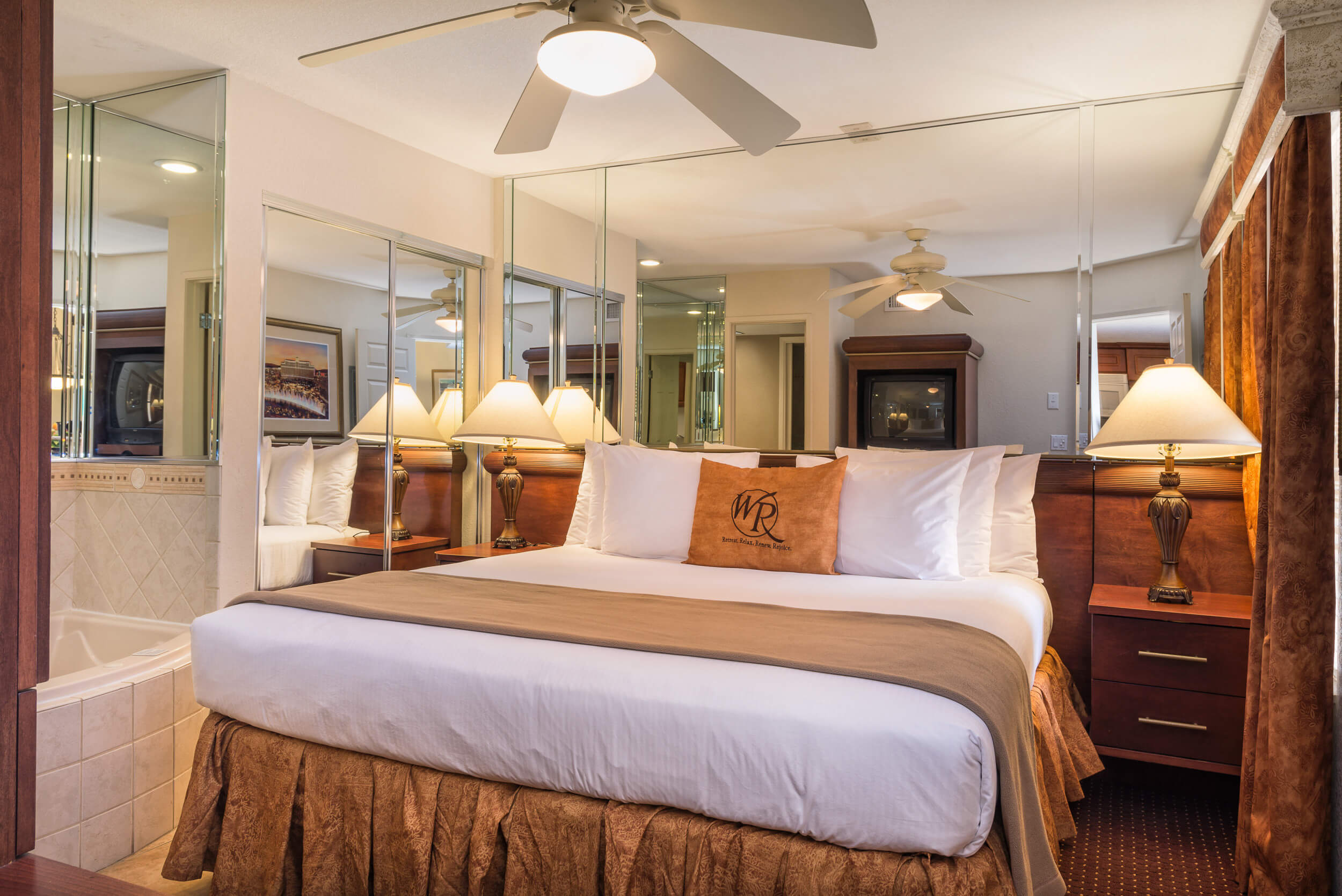 During your Las Vegas Vacation, you want the best rooms and suites to unwind after exploring the world-famous Las Vegas Strip! The One-Bedroom Villa at Westgate Flamingo Bay Resort provides that spot to relax and unwind after a fun-filled day in Sin City!