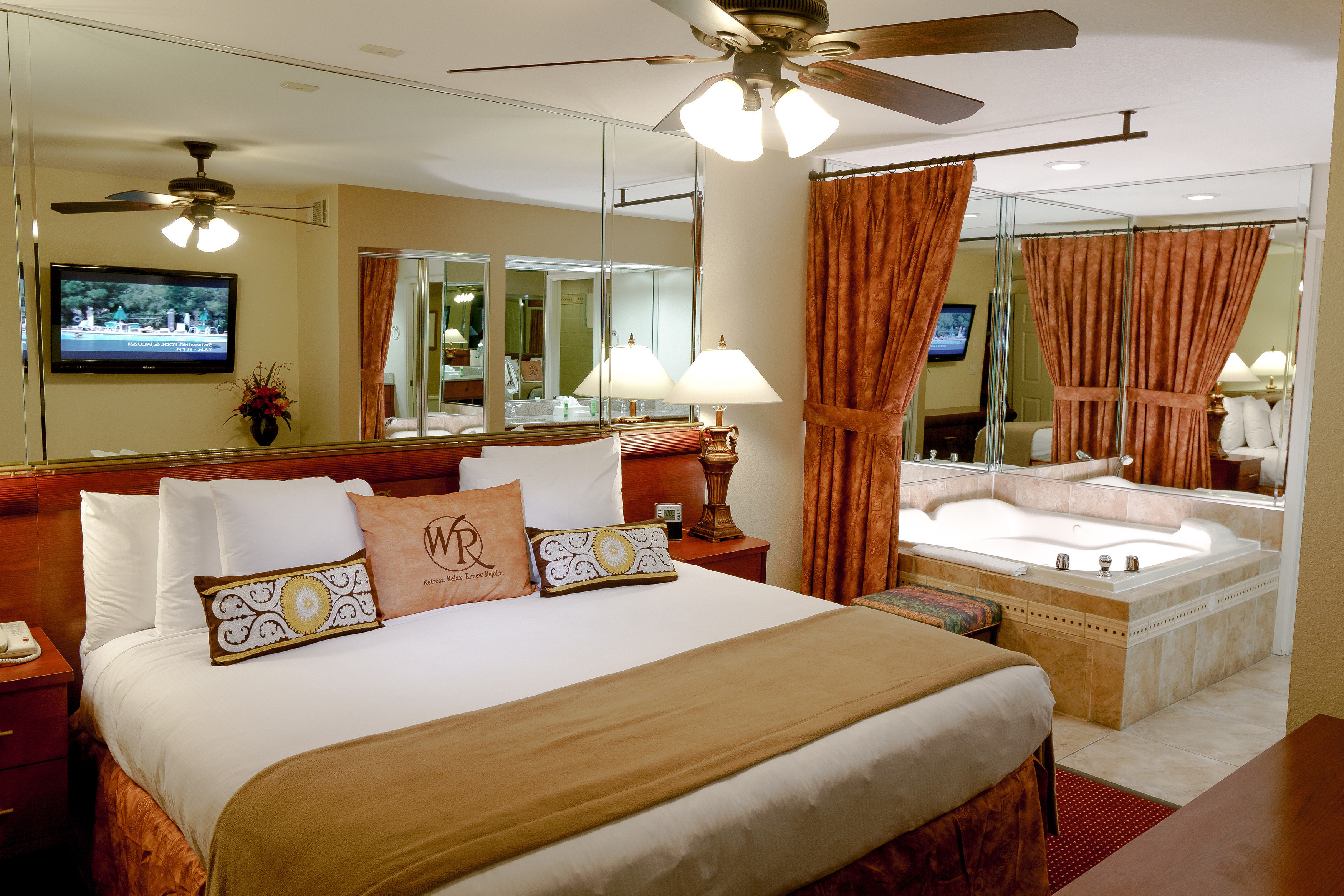 After a fun-filled day exploring the world-famous Las Vegas Strip, escape to the brilliantly adorned Two-Bedroom Villa at Westgate Flamingo Bay Resort, which offers remarkable spaciousness.