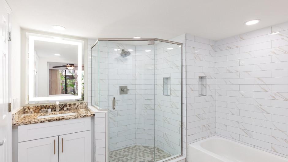 Bathtub in 2 Bedroom Villa at our hotel villas in Orlando Florida | Westgate Towers Resort | Westgate Resorts