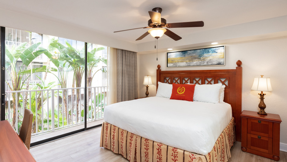 Bed in One Bedroom Villa at our hotel villas in Orlando Florida   Westgate Towers Resort   Westgate Resorts
