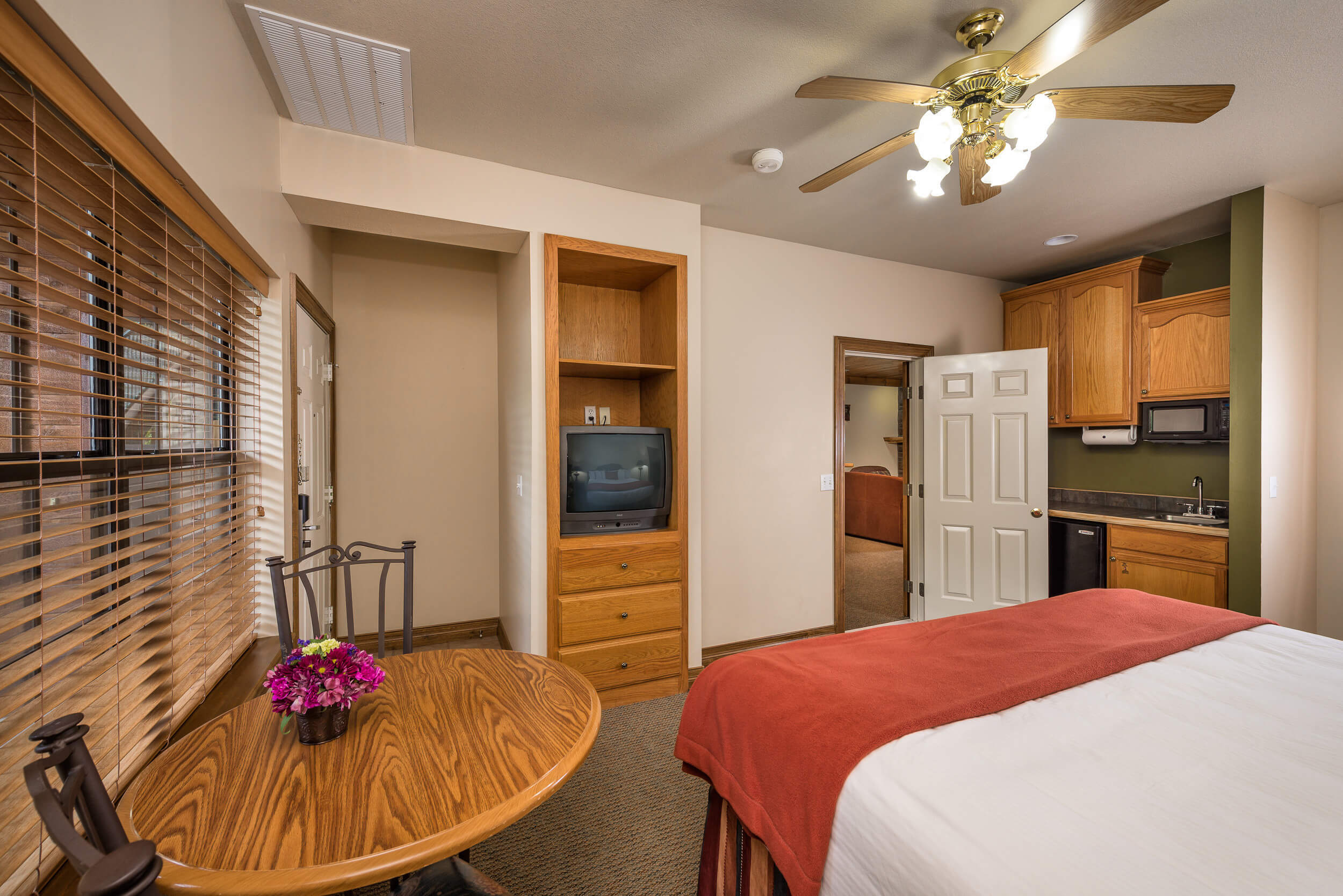 King Bed in Studio Villa | Westgate Branson Woods Resort | Westgate Resorts near Branson MO