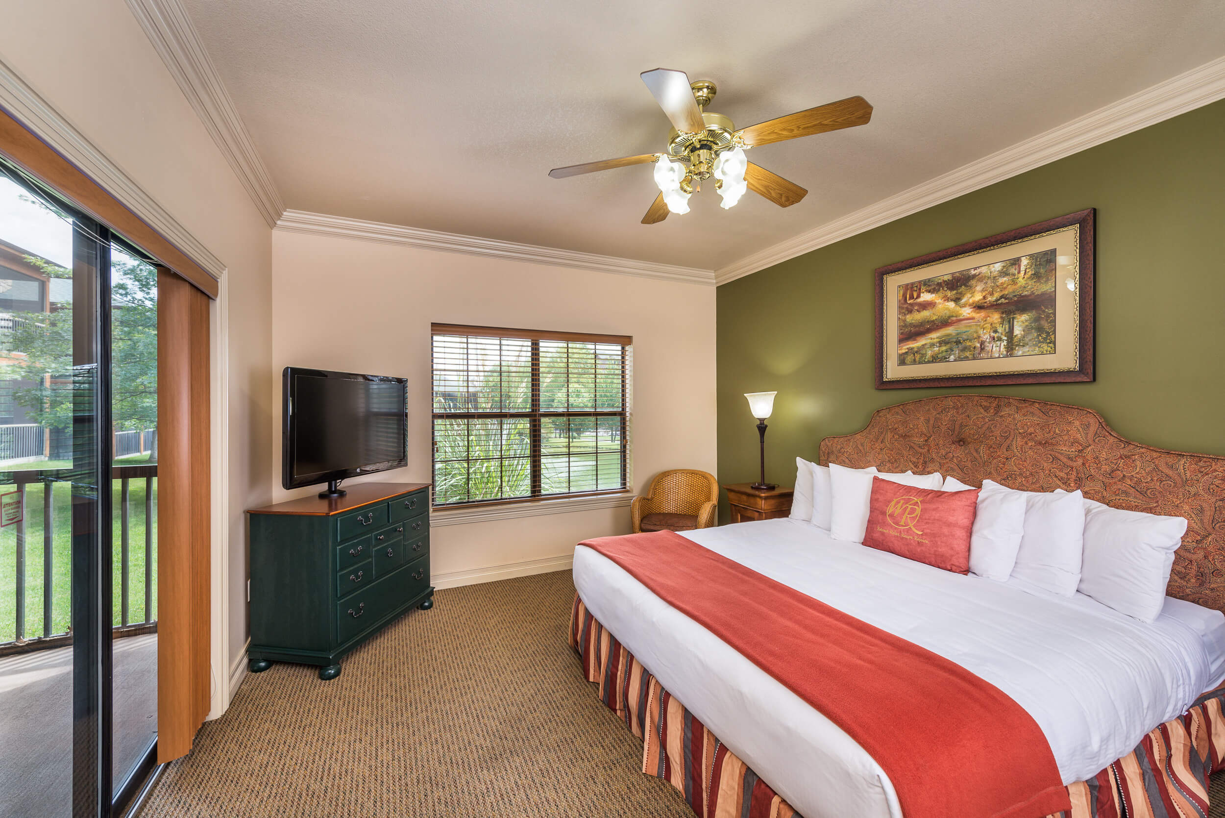 King Bed in Two-Bedroom Villa | Westgate Branson Woods Resort | Westgate Resorts