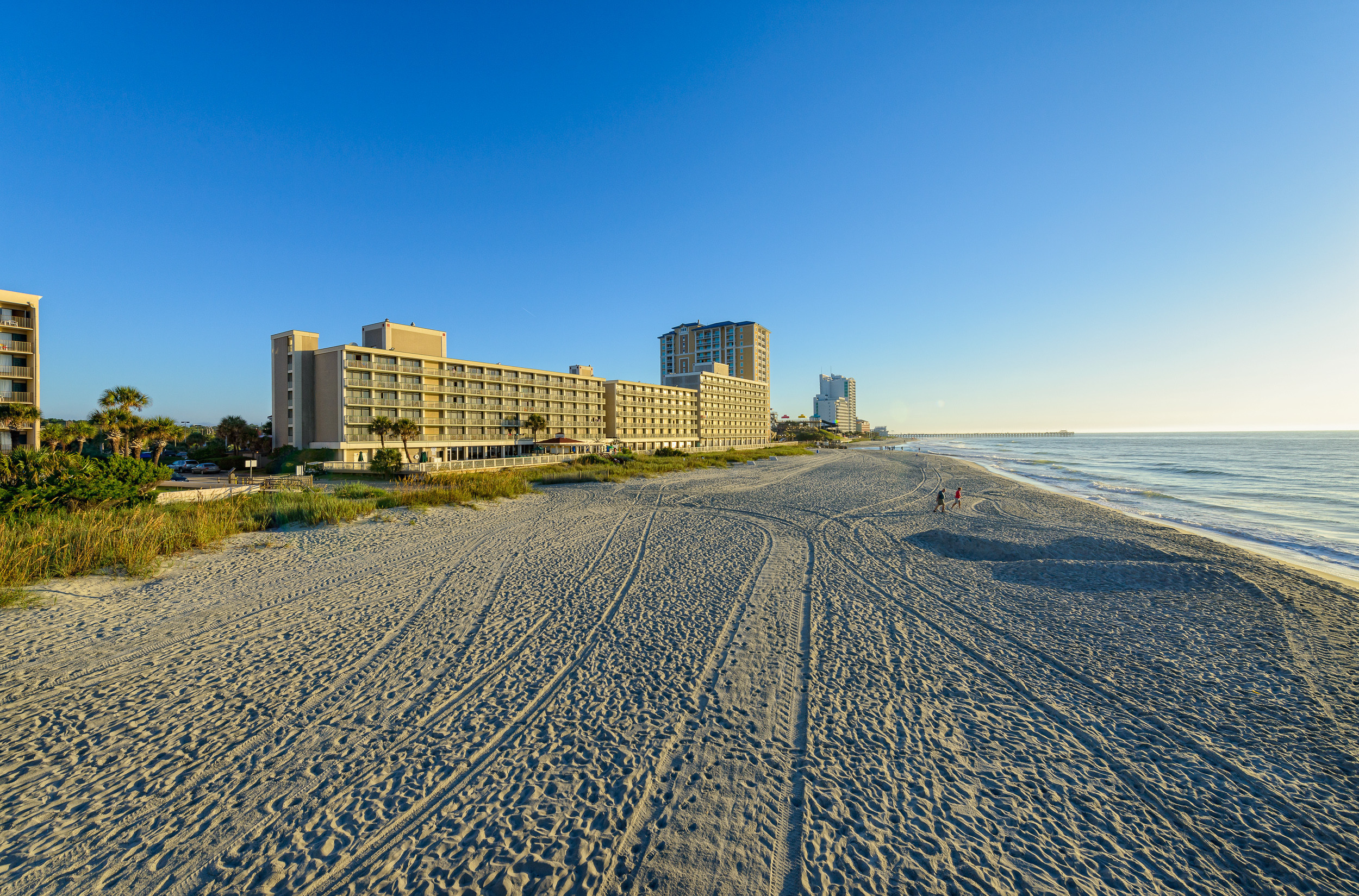 Senior Citizen Discounts at our Hotel in Myrtle Beach, SC | Seniors Enjoying Resort
