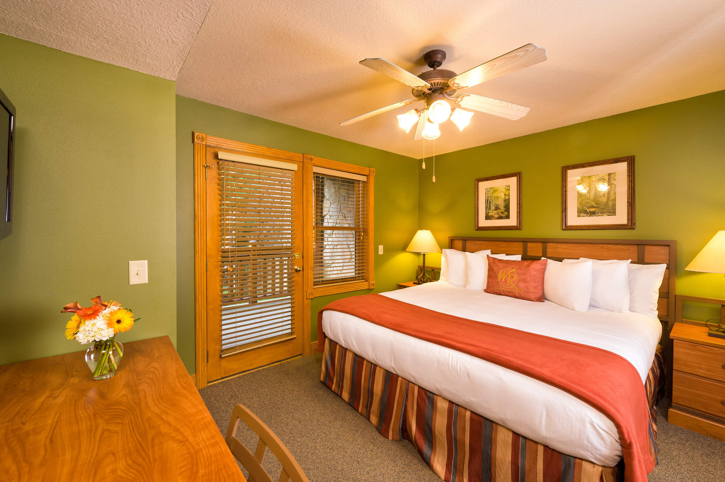 5 Bedroom Suites at Our Gatlinburg Resort near the Smoky Mountains | King Bed Suite