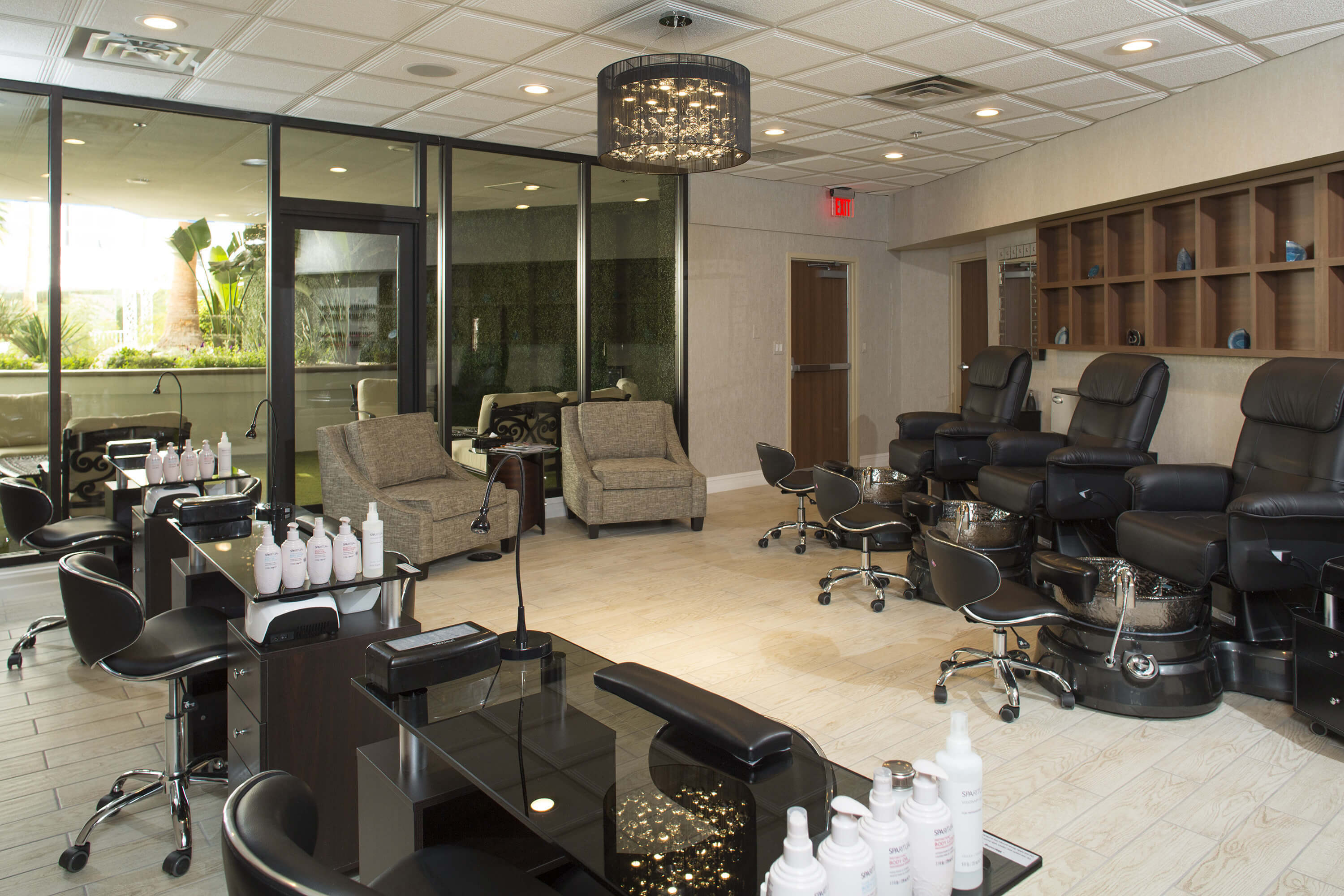 Salon at our Las Vegas Hotel and Casino | iBlowdry Salon